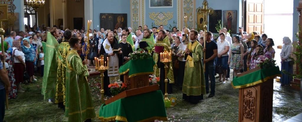 Праздник в честь Святой Троицы в монастыре