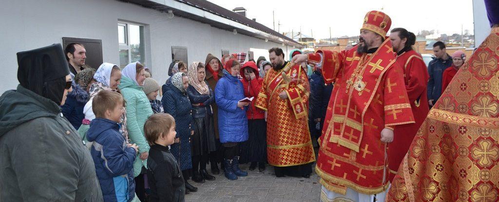В среду Светлой седмицы епископ Илия совершил Литургию в Свято-Троицком женском монастыре